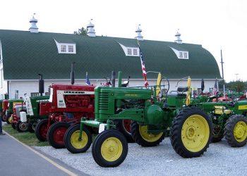 Tehnički pregled traktora na terenu