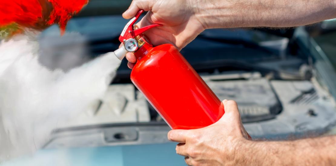 vatrogasni aparat u vozilu
